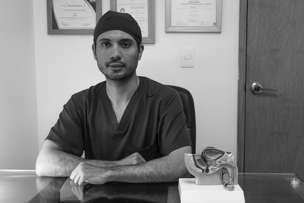 Dr. Jorge Alberto Gutiérrez Márquez - Urólogo